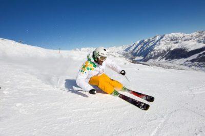Belastingvrij skioord Livigno schrapt skipassen aan begin en einde van winterseizoen
